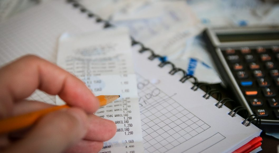 tax and receipt keeping image